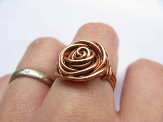 GORGEOUS DIY COPPER PROJECTS- MANIPULATE A PIECE OF COPPER TO FORM AN ITEM OF WEARABLE JEWELRY