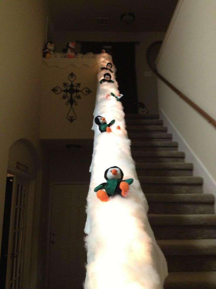 20 Magical And Crafty Ways To Decorate An Indoor Staircase This Christmas (2)