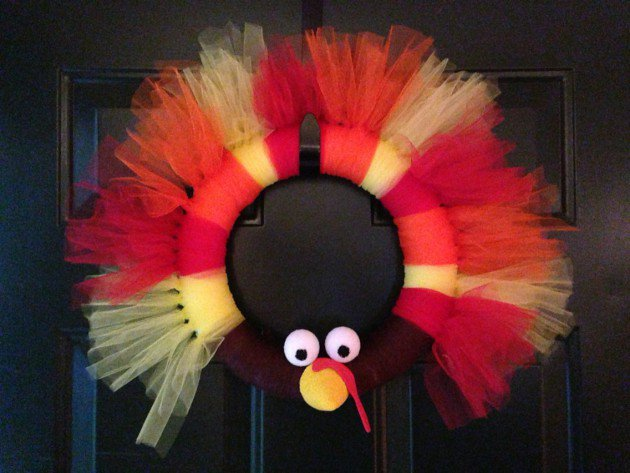 20 super cool diy thanksgiving decorations for your home for Diy thanksgiving door decorations