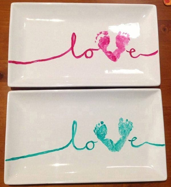 28 Fun and Playful Hand and Footprint Decor Ideas For Happy Families homesthetics fun ideas (15)