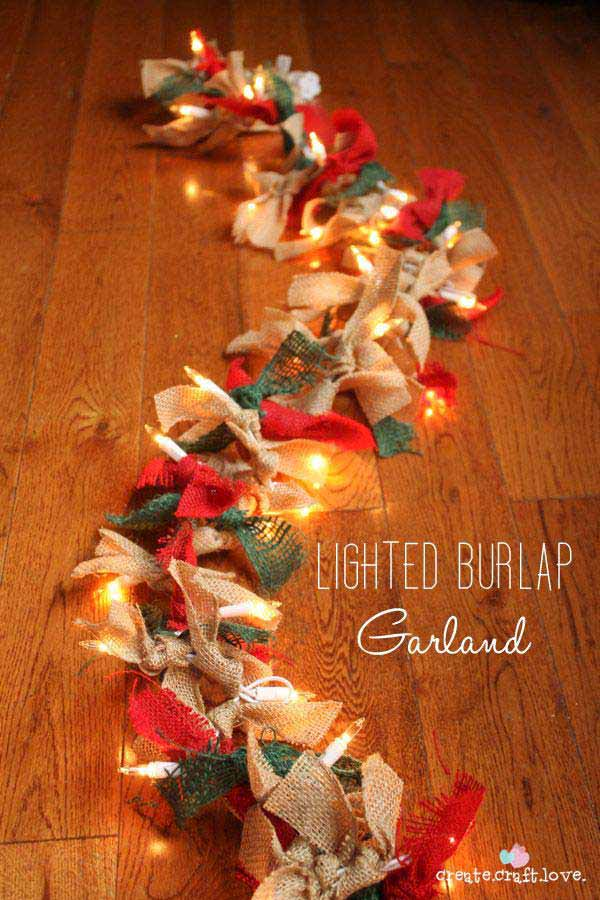 #10 YOU CAN EVEN ADD A SET OF TWINKLING LIGHTS AND RED AND GREEN BOWS TO KEEP UP WITH THE HOLIDAY THEME