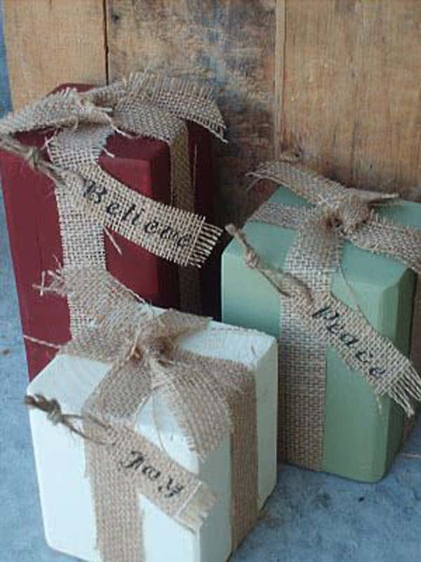 #18 BURLAP IS A CREATIVE ALTERNATIVE TO GIFT WRAPPINGS