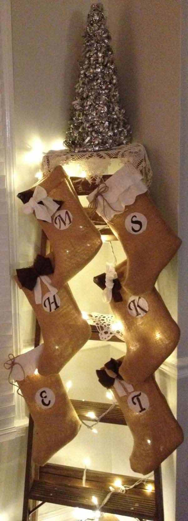 #21 BURLAP STOCKINGS INTEGRATE PERFECTLY INTO THE CHRISTMAS SPIRIT