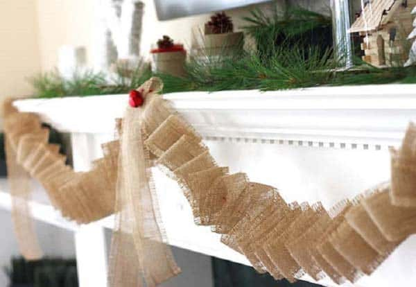 #9 DECORATE YOUR FIREPLACE MANTEL WITH NATURAL ORGANIC BURLAP GARLANDS