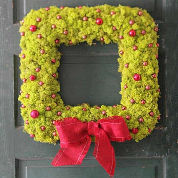 36 Mindbogglingly Magical DIY Christmas Wreaths For Your Home (17)