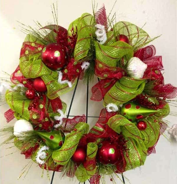 36 Mindbogglingly Magical DIY Christmas Wreaths For Your Home (33)