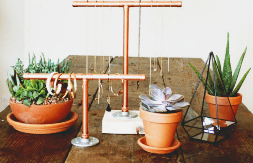 WOMEN CAN TRY THIS COPPER PIPE JEWELRY DISPLAY PROJECT