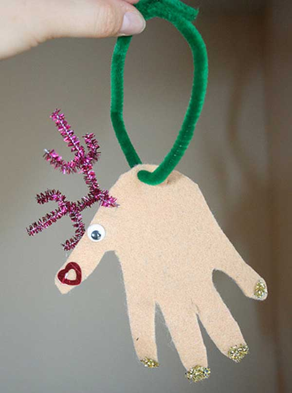 44 Easy to Realize Cheap DIY Crafts to Materialize With Your Children Christmas Crafts for Kids (32)