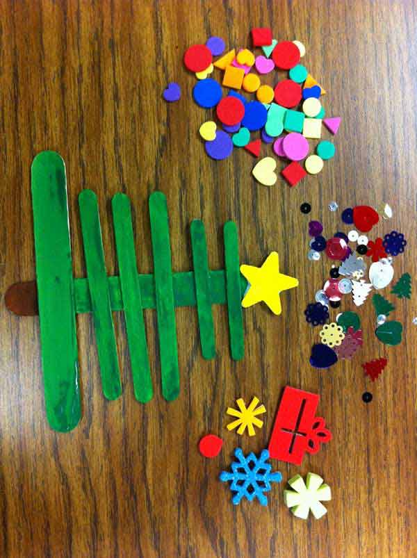 44 Easy to Realize Cheap DIY Crafts to Materialize With Your Children Christmas Crafts for Kids (4)