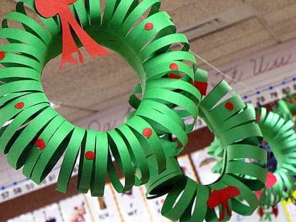 44 Easy to Realize Cheap DIY Crafts to Materialize With Your Children Christmas Crafts for Kids (6)