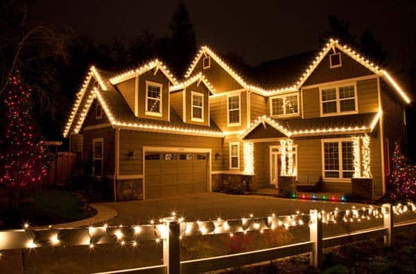 49 Magical Christmas Lightning Ideas to Bring Joy & Light on Your Holidays homesthetics decor (20)