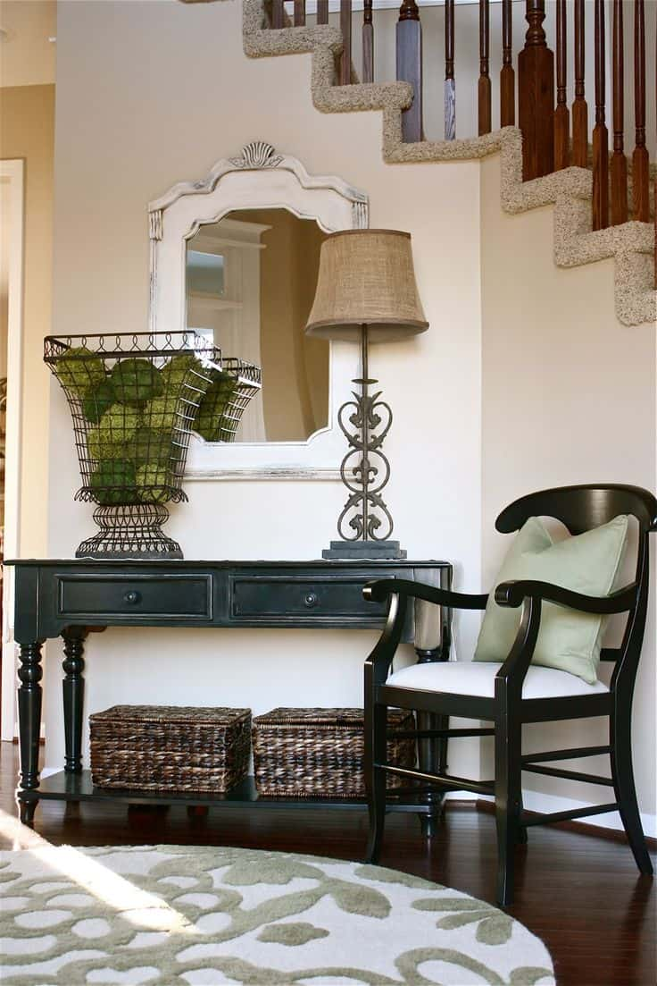 Small Mirrored Foyer Table : Enlarge your space with elegant entryways