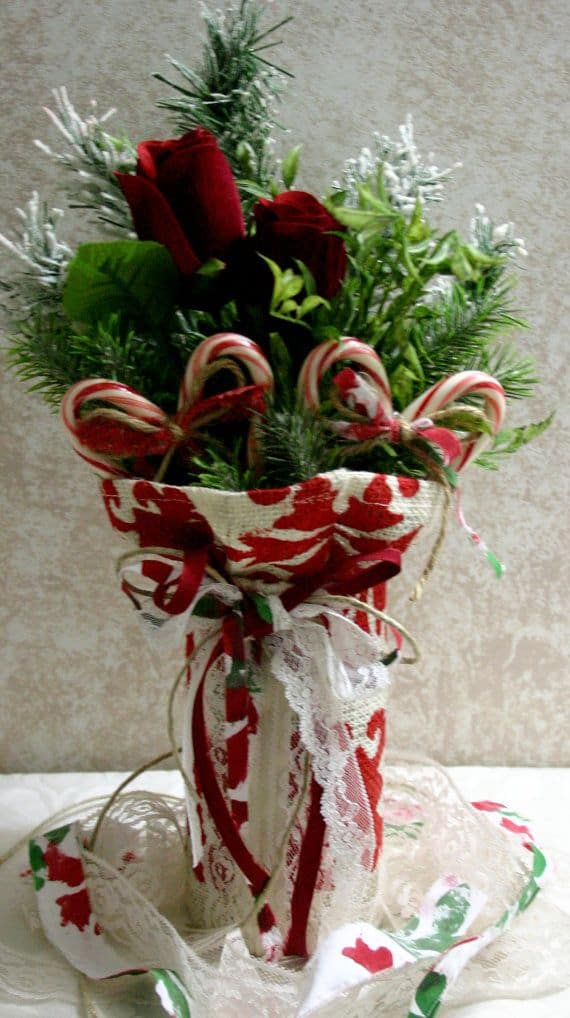 22 Christmas Centerpieces That Will Embellish Your Dining