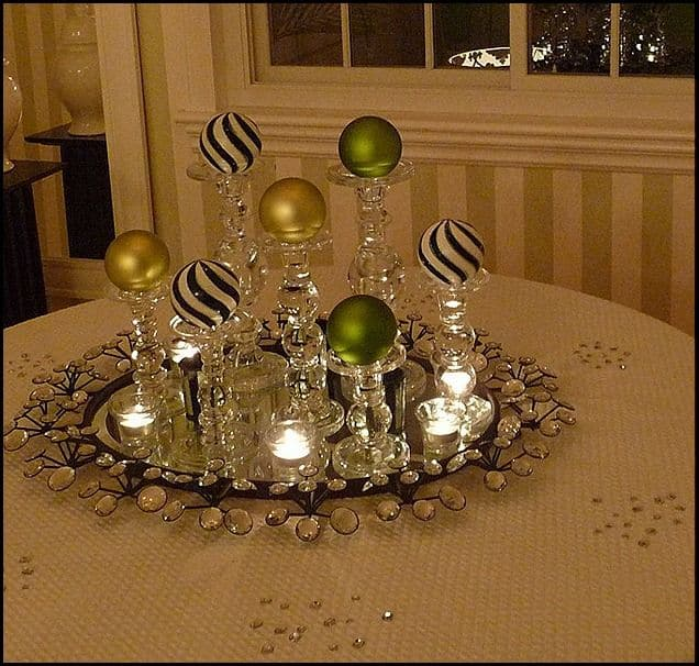 Easy Dining Room Christmas Decor