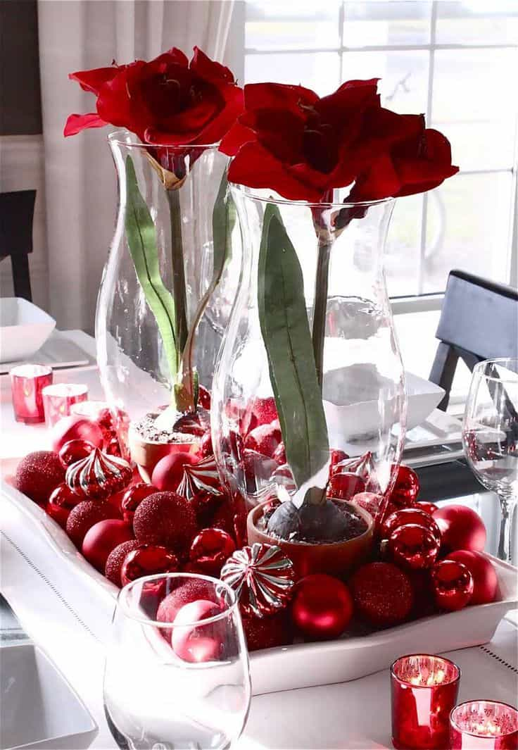 Christmas Centerpieces That Will Embellish Your Dining Room Decor For The Holidays (19)
