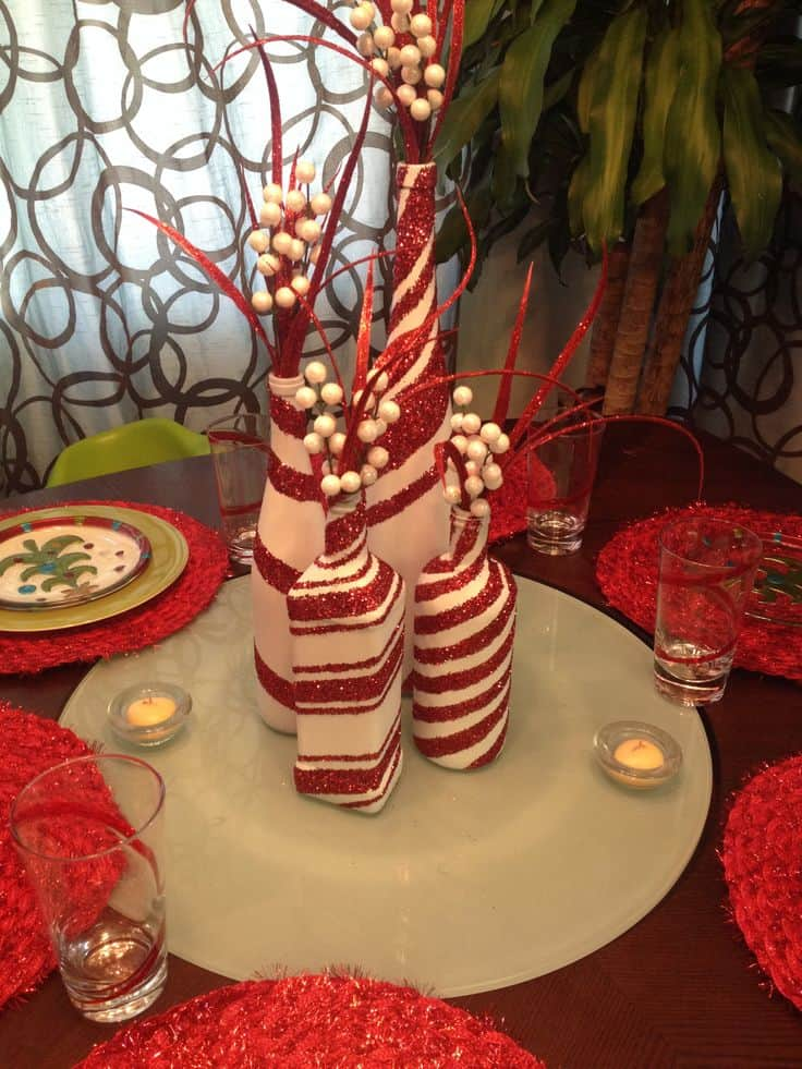 Christmas Centerpieces That Will Embellish Your Dining Room Decor For The Holidays (22)
