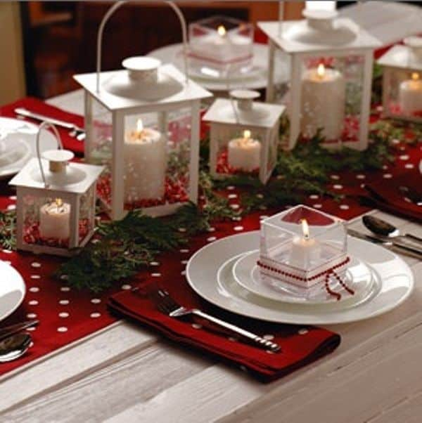 Christmas Centerpieces That Will Embellish Your Dining Room Decor For The Holidays (6)