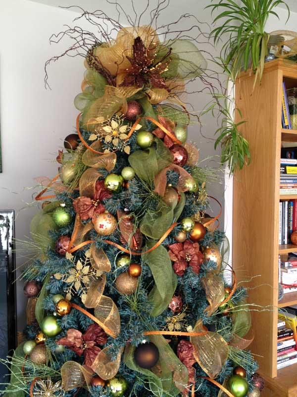 Gallery of 25 Charmingly Beautiful Christmas Trees For Happy Shelters homesthetics decor (6)