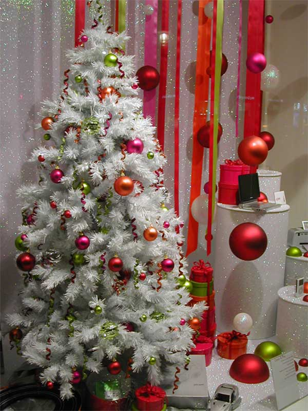 gallery of 25 charmingly beautiful christmas trees for happy shelters homesthetics decor 8 - White Christmas Tree With Red Decorations