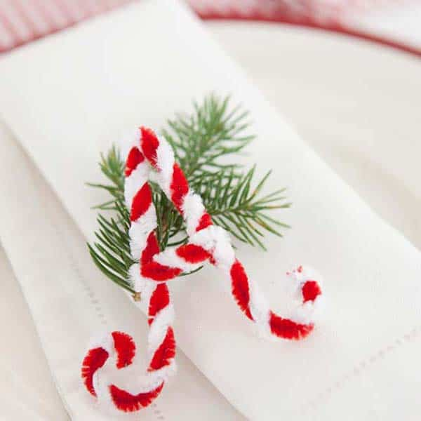 17 Super Delicate Napkin Ideas For Your Christmas Table Setting homesthetics decor (15)