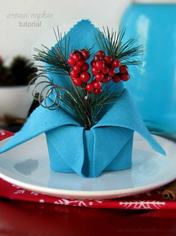 17 Super Delicate Napkin Ideas For Your Christmas Table Setting homesthetics decor (4)