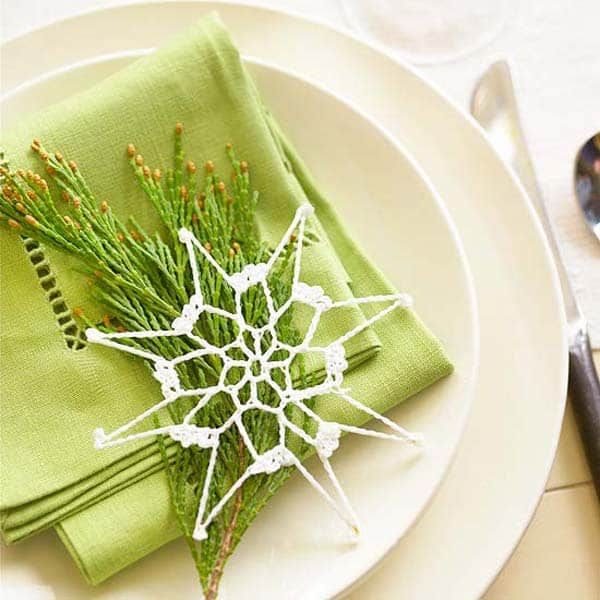 17 Super Delicate Napkin Ideas For Your Christmas Table Setting homesthetics decor (6)