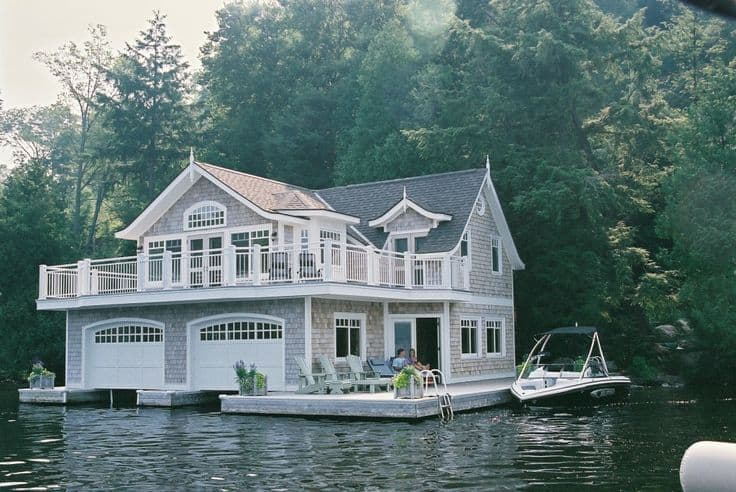 18 Lake Houses That Will Make You Reconsider Moving To The Country (1)