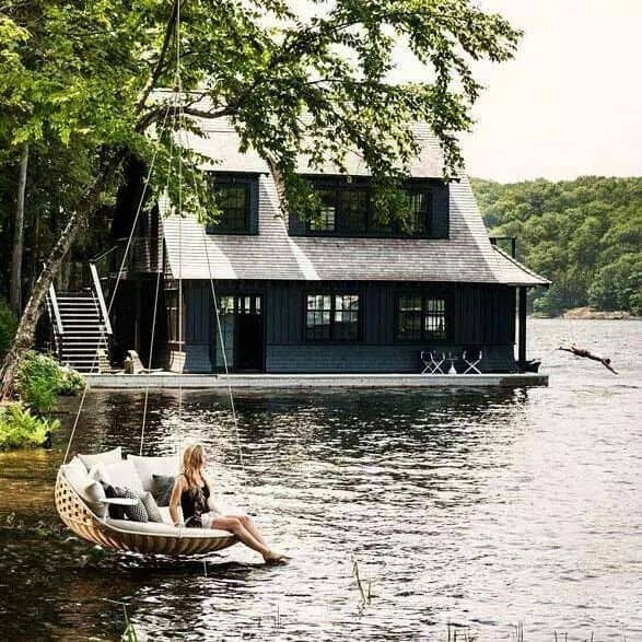 18 Lake Houses That Will Make You Reconsider Moving To The