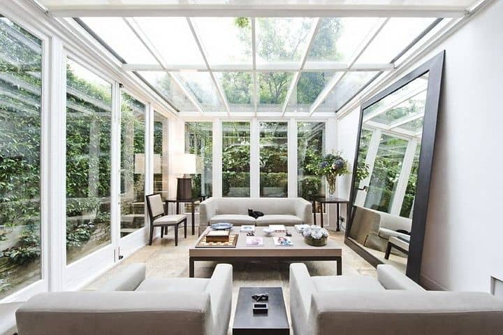 19 Ways You Can Use Modern Furnishings to Design The Interior Decor Of A Sun-Room (9)
