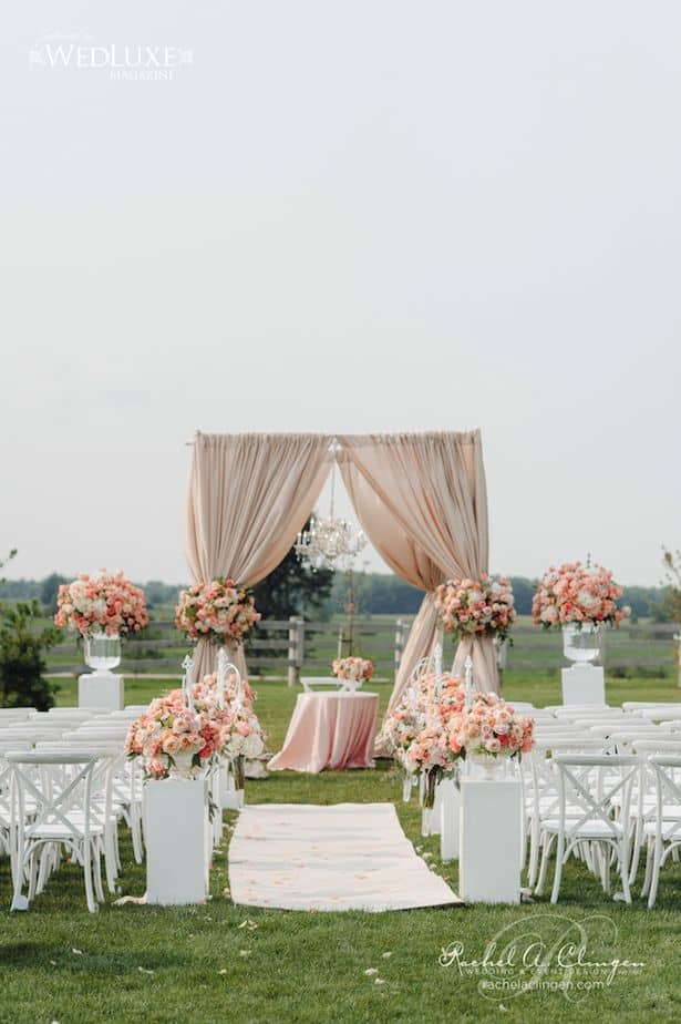23 stunningly beautiful decor ideas for the most breathtaking indoor 26 stunningly beautiful decor ideas for indoor and outdoor weddings 22 junglespirit Gallery
