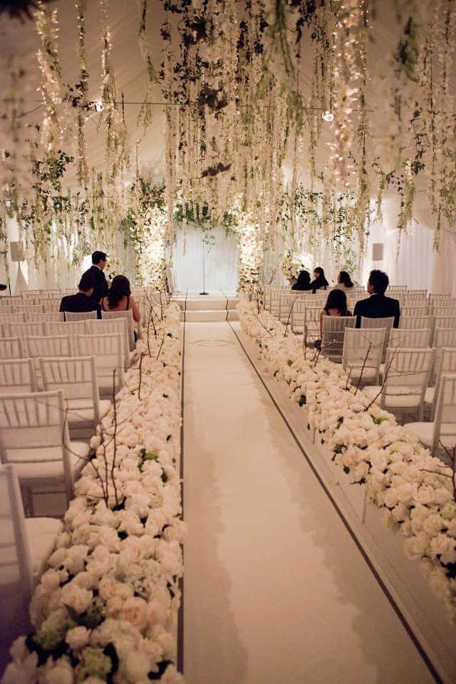 23 stunningly beautiful decor ideas for the most breathtaking indoor 26 stunningly beautiful decor ideas for indoor and outdoor weddings 4 junglespirit Gallery