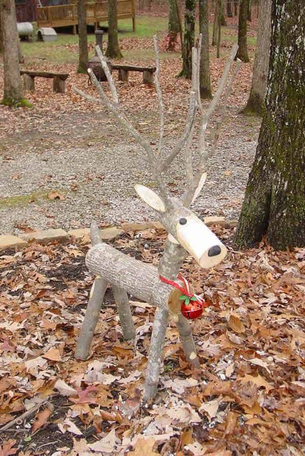 11 small reindeer in the forest realized out of wooden logs 28 beautiful recycled wood christmas decorations - Wooden Deer Christmas Decorations