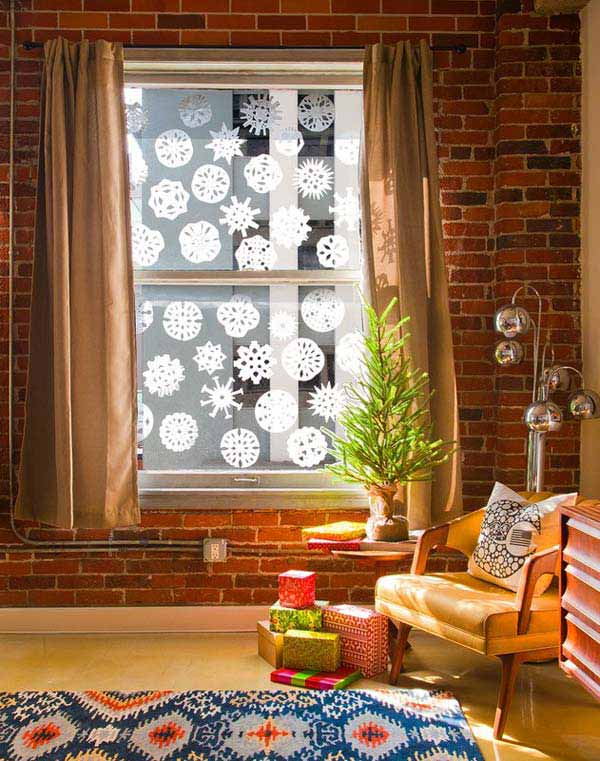 30 Insanely Beautiful Last-Minute Christmas Windows Decorating Ideas homesthetics decor (10)