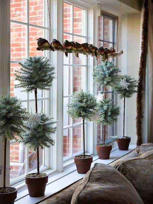30 Insanely Beautiful Last-Minute Christmas Windows Decorating Ideas homesthetics decor (26)