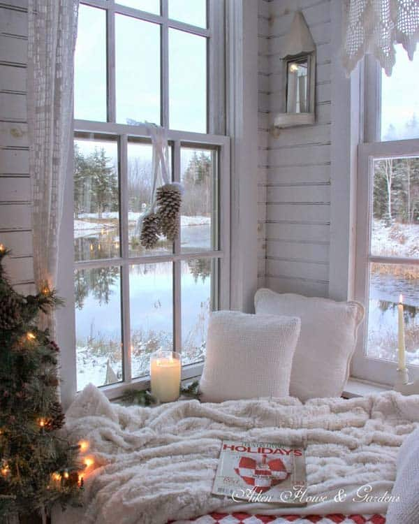 30 Insanely Beautiful Last Minute Christmas Windows Decorating Ideas