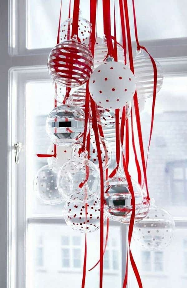 30 Insanely Beautiful Last-Minute Christmas Windows Decorating Ideas homesthetics decor (9)