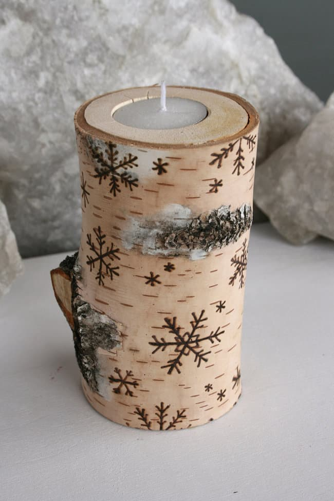 17 stunning diy holiday candle holder ideas homesthetics - Christmas Log Candle Holder Decorations