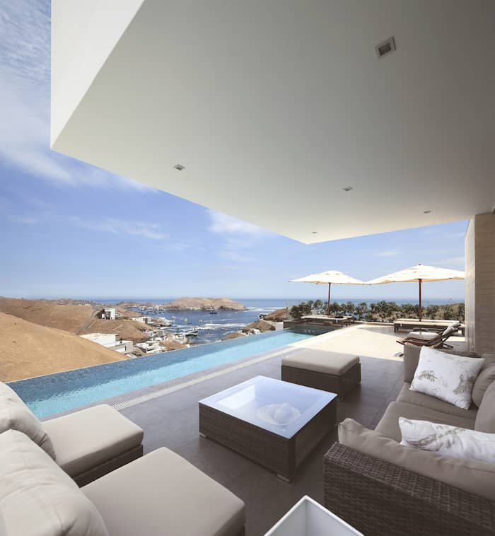 Concrete Home On A Cliff By Domenack Arquitectos in Peru Overlooking the Pacific homesthetics (8)