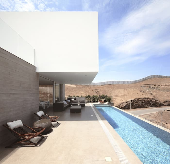 Concrete Home On A Cliff By Domenack Arquitectos in Peru Overlooking the Pacific homesthetics (9)