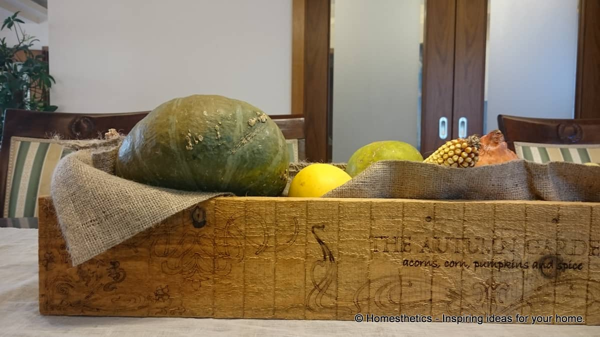 Detailed Tutorial On How to Make DIY Wooden Box Centerpiece For Your Home homesthetics diy crafts (36)