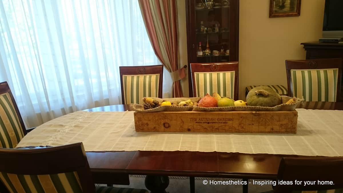 Detailed Tutorial On How to Make DIY Wooden Box Centerpiece For Your Home homesthetics diy crafts (38)