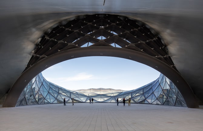 Fascinating Sculptural Sinuous Opera House Envisioned by MAD Architects homesthetics decor (8)
