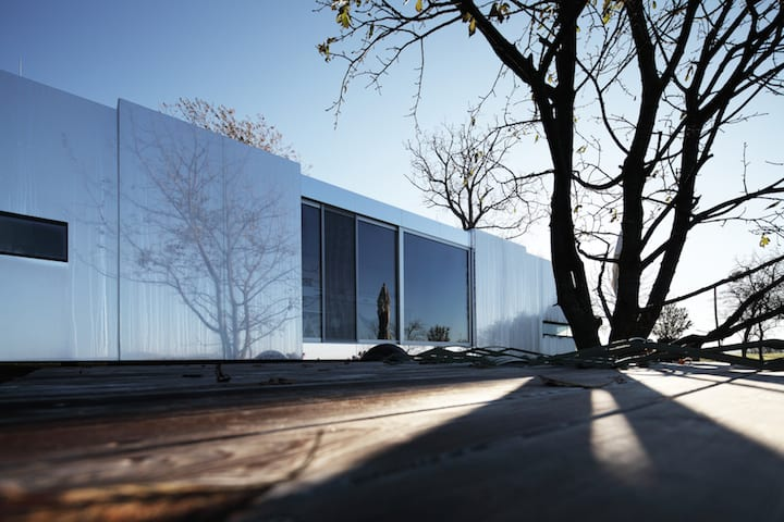 Flexible Housing Unit Entitled Casa Invisible by Delugan Meissl Associated Architects homesthetics (6)