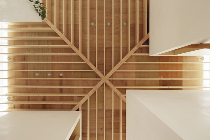 Minimalist Japanese Wooden Home Flooded by Sunlight Signed mA-Style Architects homesthetics (11)