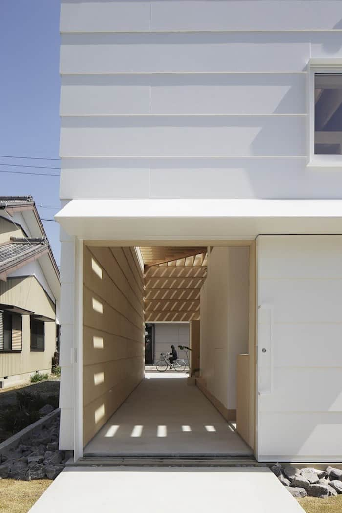 Minimalist Japanese Wooden Home Flooded by Sunlight Signed mA-Style Architects homesthetics (2)