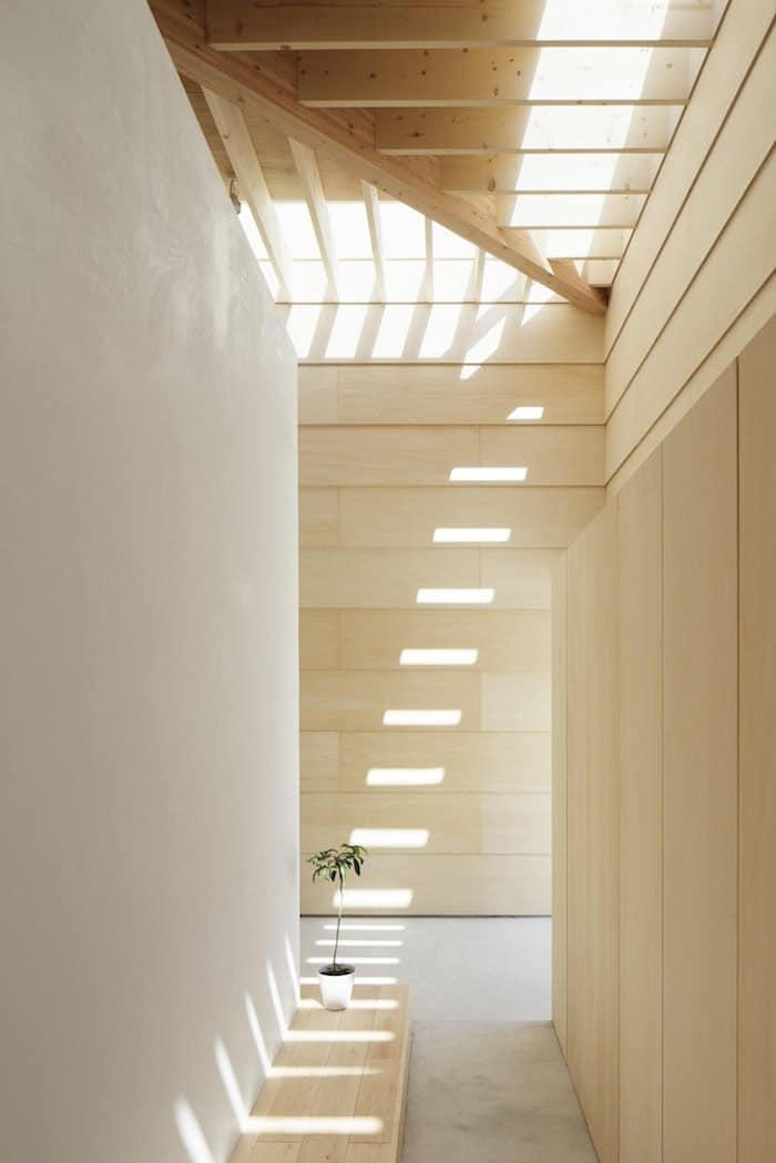 Minimalist Japanese Wooden Home Flooded by Sunlight Signed mA-Style Architects homesthetics (3)
