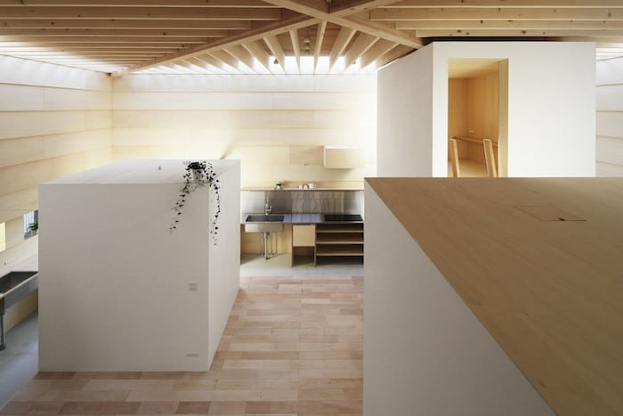 Minimalist Japanese Wooden Home Flooded by Sunlight Signed mA-Style Architects homesthetics (4)