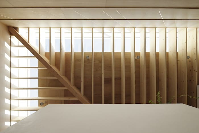 Minimalist Japanese Wooden Home Flooded by Sunlight Signed mA-Style Architects homesthetics (9)