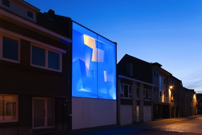 Modern Home With Live Colorful Facade Animating The Street homesthetics architecture (3)