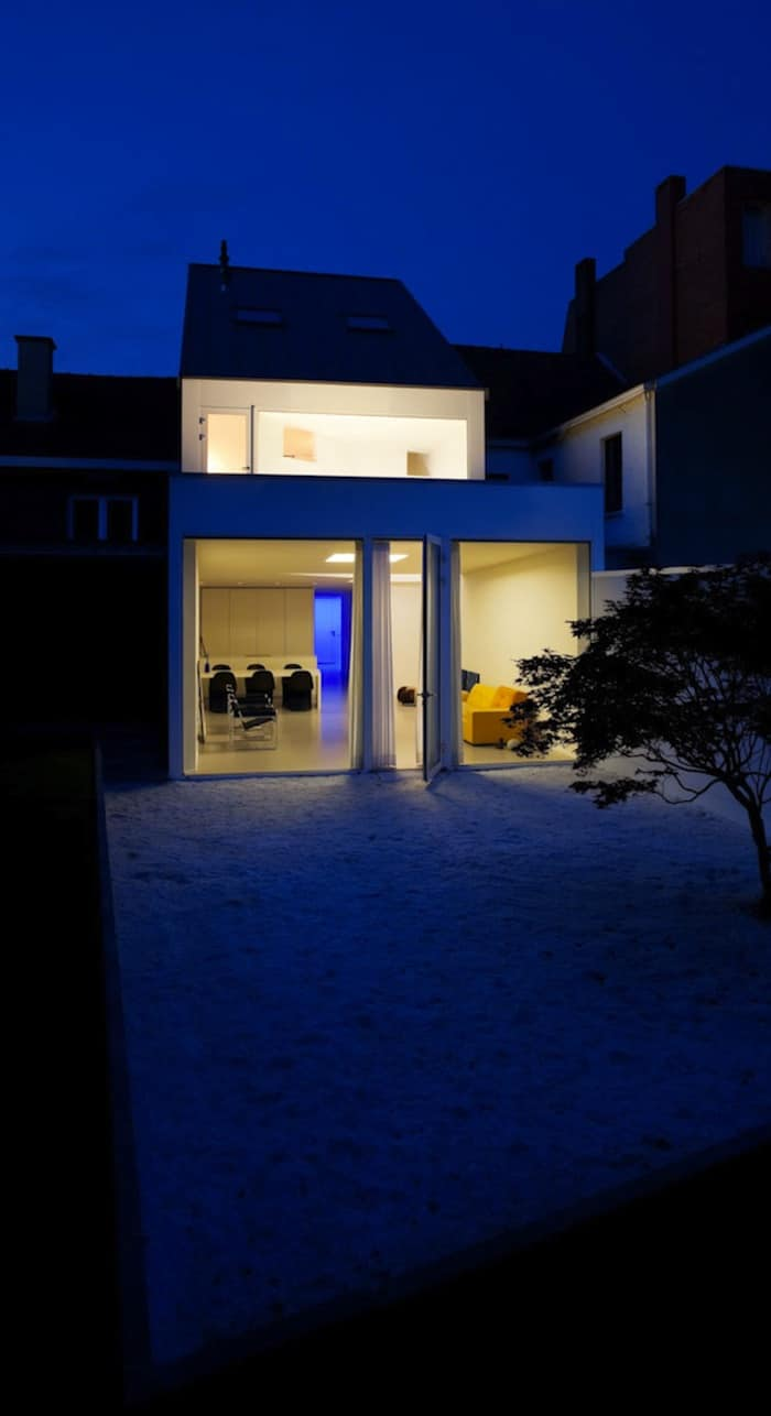 Modern Home With Live Colorful Facade Animating The Street homesthetics architecture (4)